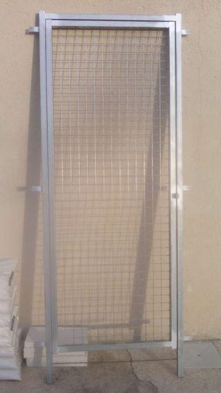 Puerta de hierro para exteriores.
