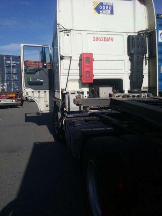Tractora daf xf 95 430cv con trabajo en el puerto de barcelona klm 1118500 se vende por - Trabajo en el puerto ...