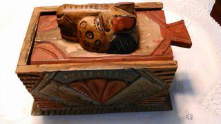 Caja madera tallada de segunda mano por 8 en barcelona en wallapop - Cajas madera barcelona ...