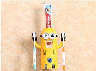Minions dispensador pasta dientes cepillos