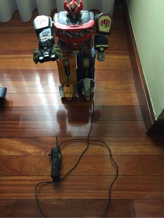 1er Megazord De Power Ranger