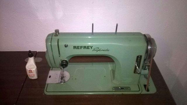 Máquina de coser REFREY de segunda mano por 120 € en