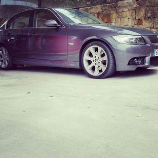 BMW 330 i PACK M3