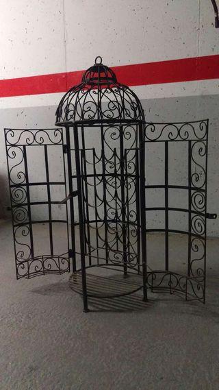 Botellero con forma de jaula