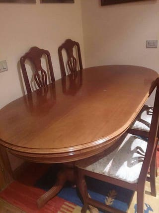 Mesa de madera para comedor+4 sillas.