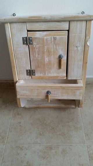 Mueble rústico artesanal