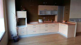Mueble de cocina con Persiana de segunda mano en la ...
