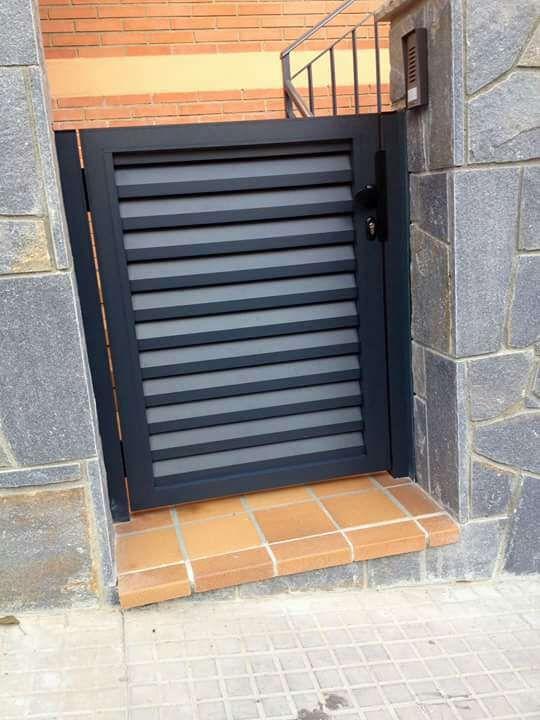 Vallas de jard n cancelas exteriores de aluminio de segunda mano en bellavista en wallapop - Vallas jardin segunda mano ...