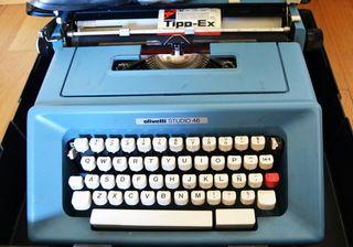 Máquina de escribir Olivetti Studio 46.