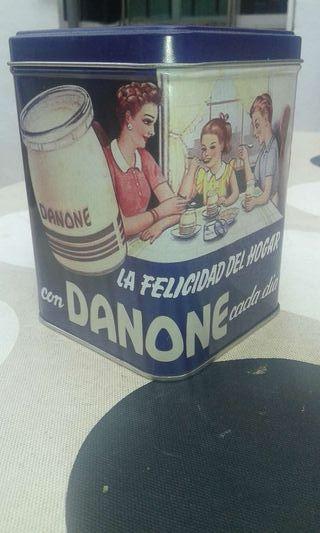 Caja danone