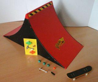 Rampa y monopatin de dedos / finger skate juguete