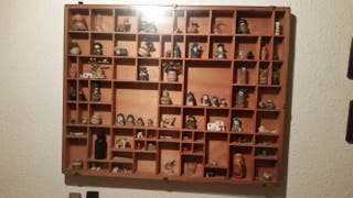 Cuadro expositor de miniaturas de coleccion