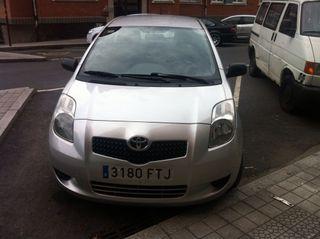 Se vende Toyota yaris 5 puertas diésel