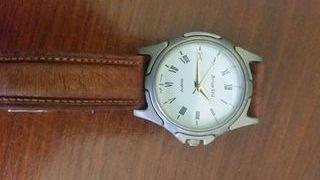 Reloj muy bonito