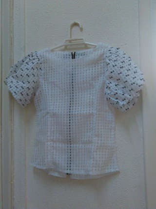 """Blusa S marca """"Dress up for mode"""""""
