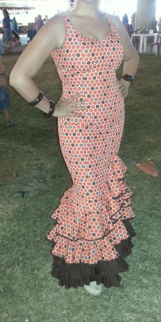 traje de gitana o flamenca