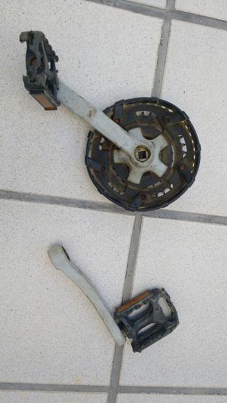 Bielas bicicleta y tres platos para eje de cuadrad