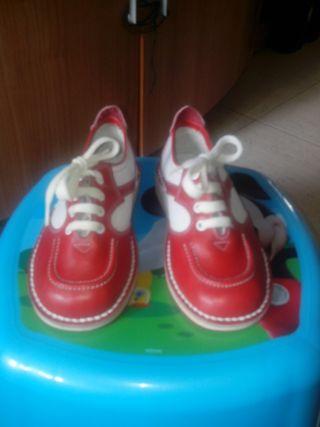 Zapatos. Talla 24 Nuevos