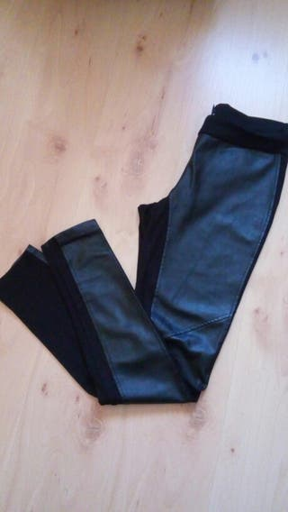Pantalon polipiel negro 38-40. Mango