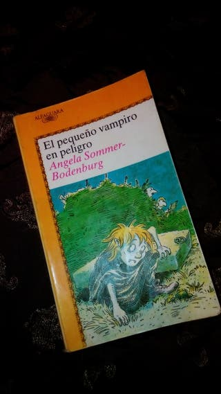 El pequeño vampiro en peligro (Ángela Sommer Bodenburg)