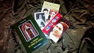 Libro, folleto, estampa, guía de Santa Teresa de Lisieux