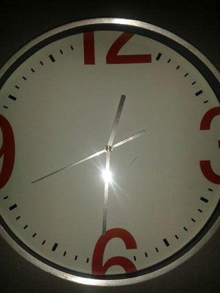 Reloj pared como NUEVO.