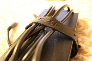 Adaptador AC Dell DA130PE1-00 y cable alimentación