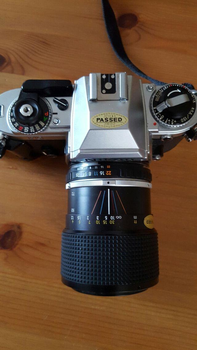 Cámara Analógica Nikon FG + Objetivo Nikon 36-72