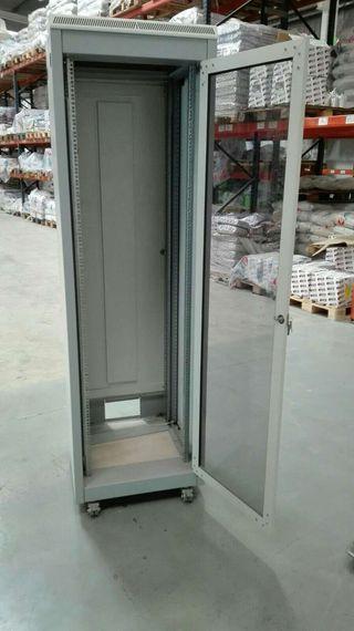 Armario rack para servidor de segunda mano por 150 en for Wallapop armarios