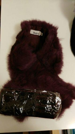 Cuello de piel de conejo y guantes de terciopelo