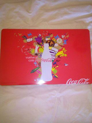 Caja de colores coca-cola