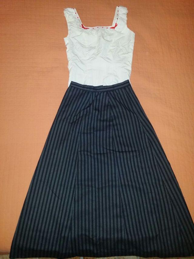 Traje falda camisa rociera para chica de segunda mano por 60 € en ... 00242f9067c