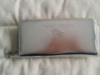 Cartera Victoria Secret Angel color plata
