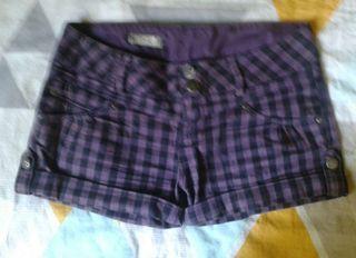Shorts cuadros berenjena PULL&BEAR S