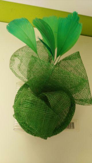 Tocados verde y color añi + colores