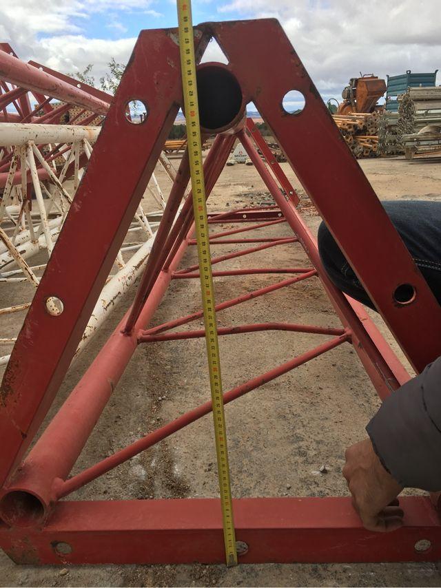 torre tipo televes M600 13 rojos telecomunicaciones