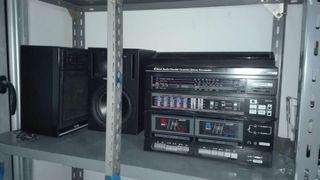 Radio cassette antigua