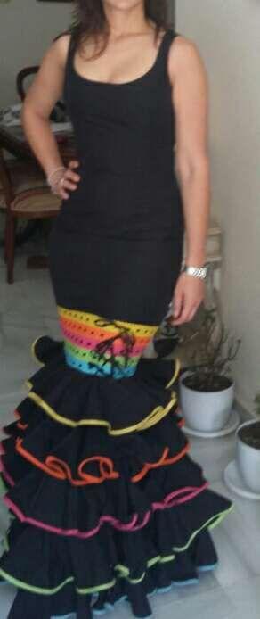 Traje de flamenca,gitana negro y colores. Feria