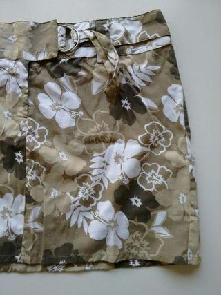 Falda 2x8€