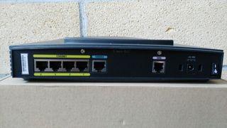 Router Cisco 837
