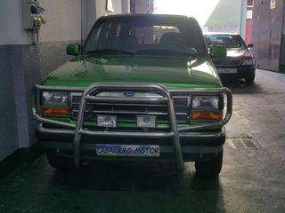 Ford Explorer todo restarado 25 años
