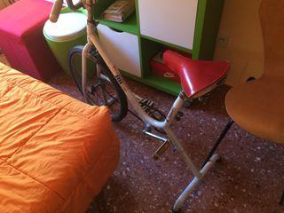 Bicicleta estática antigua BH Gacela