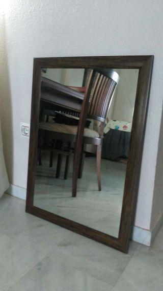 Espejo enmarcado