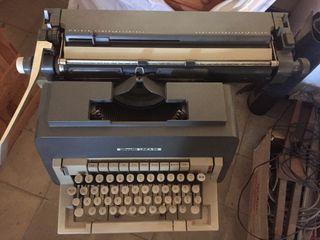 Máquinas escribir olivetti antiguas