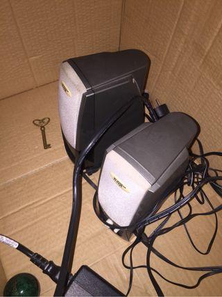 Altavoces ordenador