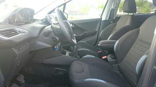 Se vende Peugeot 208 hdi 92cv allure