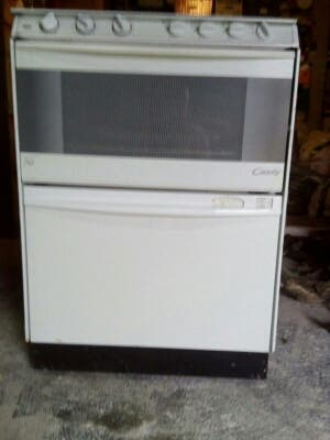 Cocina , horno y lavabajillas todo en uno..