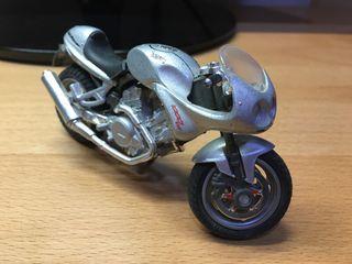 Voxan Cafe Racer 1000 V2 1/18 Majorette