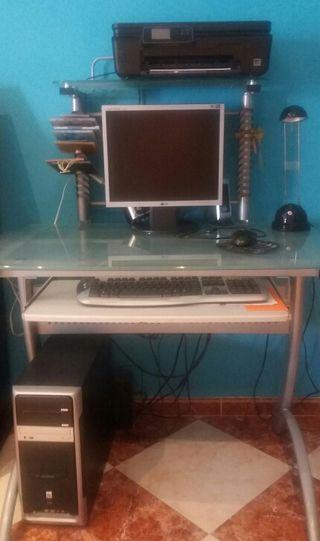 Mesa ordenador.