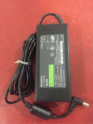Cargador Sony PCGA-AC19V1